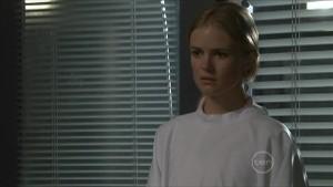 Elle Robinson in Neighbours Episode 5489