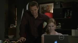 Paul Robinson, Elle Robinson in Neighbours Episode 5489