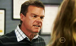 Paul Robinson in Neighbours Episode 5536