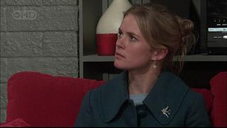 Elle Robinson in Neighbours Episode 5567