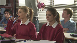 Donna Freedman, Rachel Kinski, Ringo Brown in Neighbours Episode 5571
