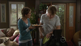 Audrey, Susan Kennedy, Ringo Brown in Neighbours Episode 5572