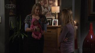 Donna Freedman, Elle Robinson in Neighbours Episode 5573