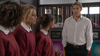 Bridget Parker, Donna Freedman, Rachel Kinski, Dan Fitzgerald in Neighbours Episode 5573