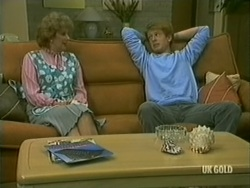 Madge Bishop, Clive Gibbons in Neighbours Episode 0182