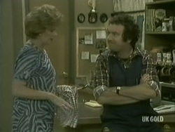 Madge Bishop, Max Ramsay in Neighbours Episode 0184