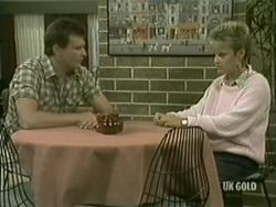 Des Clarke, Daphne Clarke in Neighbours Episode 0184