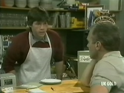 Mike Young, Jim Robinson in Neighbours Episode 0185