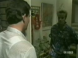 Des Clarke, Daphne Clarke in Neighbours Episode 0185