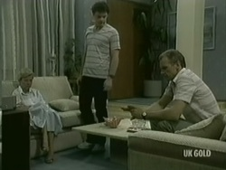 Helen Daniels, Paul Robinson, Jim Robinson in Neighbours Episode 0186