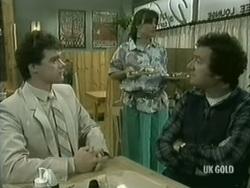 Paul Robinson, Zoe Davis, Max Ramsay in Neighbours Episode 0186