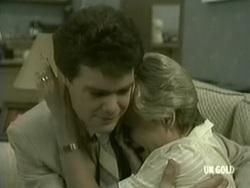 Paul Robinson, Helen Daniels in Neighbours Episode 0186