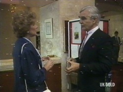 Madge Bishop, Douglas Blake in Neighbours Episode 0187