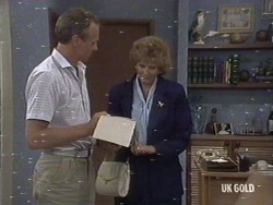 Jim Robinson, Madge Bishop in Neighbours Episode 0187