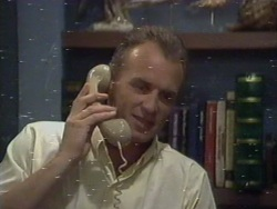 Jim Robinson in Neighbours Episode 0188