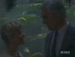 Helen Daniels, Douglas Blake in Neighbours Episode 0191
