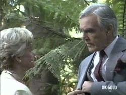 Helen Daniels, Douglas Blake in Neighbours Episode 0192