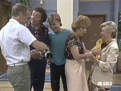 Jim Robinson, Max Ramsay, Scott Robinson, Madge Mitchell, Helen Daniels in Neighbours Episode 0192