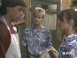 Mike Young, Daphne Lawrence, Zoe Davis in Neighbours Episode 0192
