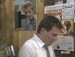 Daphne Lawrence, Des Clarke in Neighbours Episode 0192