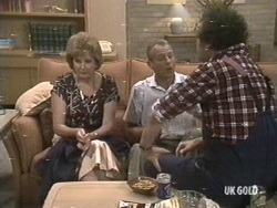 Madge Mitchell, Jim Robinson, Max Ramsay in Neighbours Episode 0192