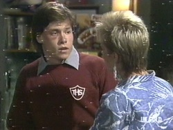 Mike Young, Daphne Lawrence in Neighbours Episode 0192