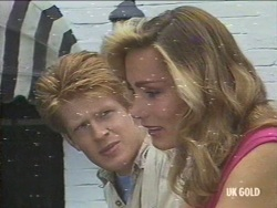 Clive Gibbons, Beth Travers in Neighbours Episode 0194