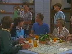 Scott Robinson, Nikki Dennison, Paul Robinson, Jim Robinson, Danny Ramsay, Helen Daniels in Neighbours Episode 0195