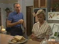 Jim Robinson, Helen Daniels in Neighbours Episode 0196