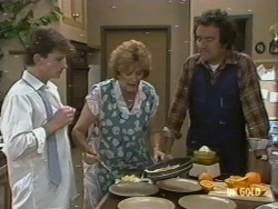 Danny Ramsay, Madge Mitchell, Max Ramsay in Neighbours Episode 0196