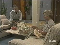 Jim Robinson, Helen Daniels in Neighbours Episode 0197
