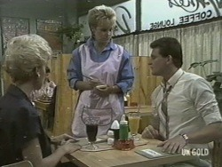 Rosemary Daniels, Daphne Lawrence, Des Clarke in Neighbours Episode 0197