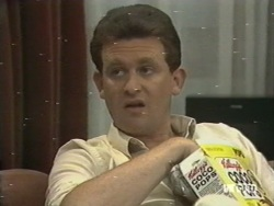 Des Clarke in Neighbours Episode 0198