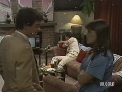 Paul Robinson, Des Clarke, Zoe Davis in Neighbours Episode 0198