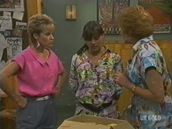 Daphne Lawrence, Zoe Davis, Madge Mitchell in Neighbours Episode 0199
