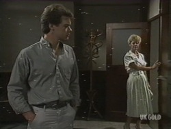Paul Robinson, Rosemary Daniels in Neighbours Episode 0200