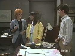 Sue Wright, Zoe Davis, Paul Robinson in Neighbours Episode 0202
