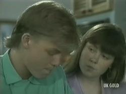Scott Robinson, Nikki Dennison in Neighbours Episode 0203