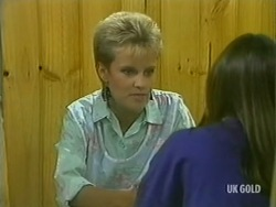 Daphne Clarke, Zoe Davis in Neighbours Episode 0204