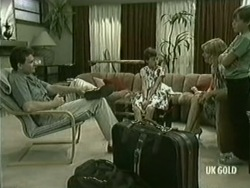 Des Clarke, Lucy Robinson, Andrea Townsend, Bradley Townsend in Neighbours Episode 0206