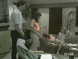 Des Clarke, Bradley Townsend, Zoe Davis, Andrea Townsend in Neighbours Episode 0207