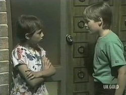 Lucy Robinson, Bradley Townsend in Neighbours Episode 0207