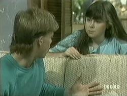 Scott Robinson, Nikki Dennison in Neighbours Episode 0208