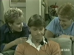 Daphne Lawrence, Mike Young, Clive Gibbons in Neighbours Episode 0208