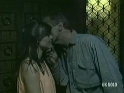 Zoe Davis, Jim Robinson in Neighbours Episode 0208