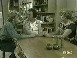 Shane Ramsay, Max Ramsay, Madge Mitchell in Neighbours Episode 0209
