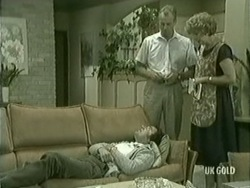 Max Ramsay, Jim Robinson, Madge Bishop in Neighbours Episode 0209
