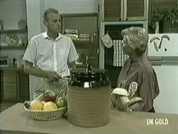 Jim Robinson, Helen Daniels in Neighbours Episode 0210