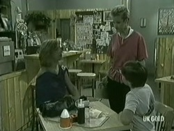 Andrea Townsend, Daphne Lawrence, Bradley Townsend in Neighbours Episode 0210