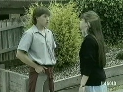 Mike Young, Nikki Dennison in Neighbours Episode 0210